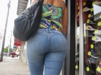 Bubble Butt In Tight Jeans